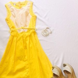 LONDON STYLE YELLOW DRESS WITH WHITE LACE SIZE 6